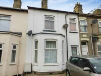 Large 2 Double Bedroom First Floor Flat to Let