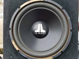Jl Audio 15w3 v2 sub in box 15 Inc sub