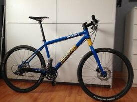fully customed canondale volvo mountain bike