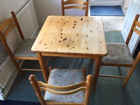Square Dinning Table & 4 chairs