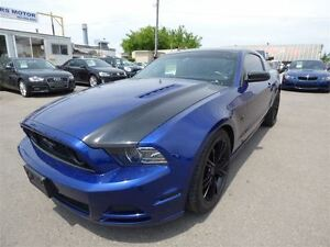2014 Ford Mustang GT V8 & NAVI & BACK UP CAM & LEATHER & MANUAL