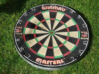 Winmau masters dartboard - great condition - never used