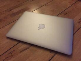 MacBook Air 13inch Early 2014 - 1.4ghz, 4GB RAM, 128GB SSD