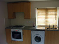 1 bed coach house to rent with parking and garage, partly furnished