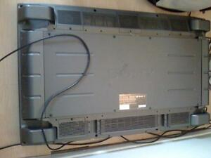 Sony Plasma 42Inch Flat Screen, Very Clean condition, needs Bulb West Island Greater Montréal image 6
