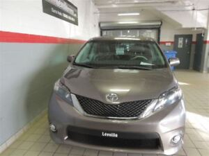 2014 Toyota Sienna SE 8 PASSAGERS TOIT OUVRANT-MAGS
