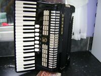 hohner 120 bass accordion with case