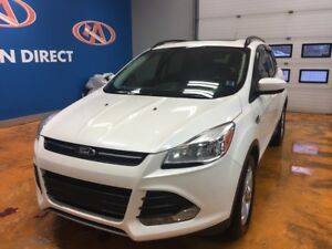 2014 Ford Escape SE AWD/ PANO ROOF/ LEATHER/ FINANCE TODAY!!