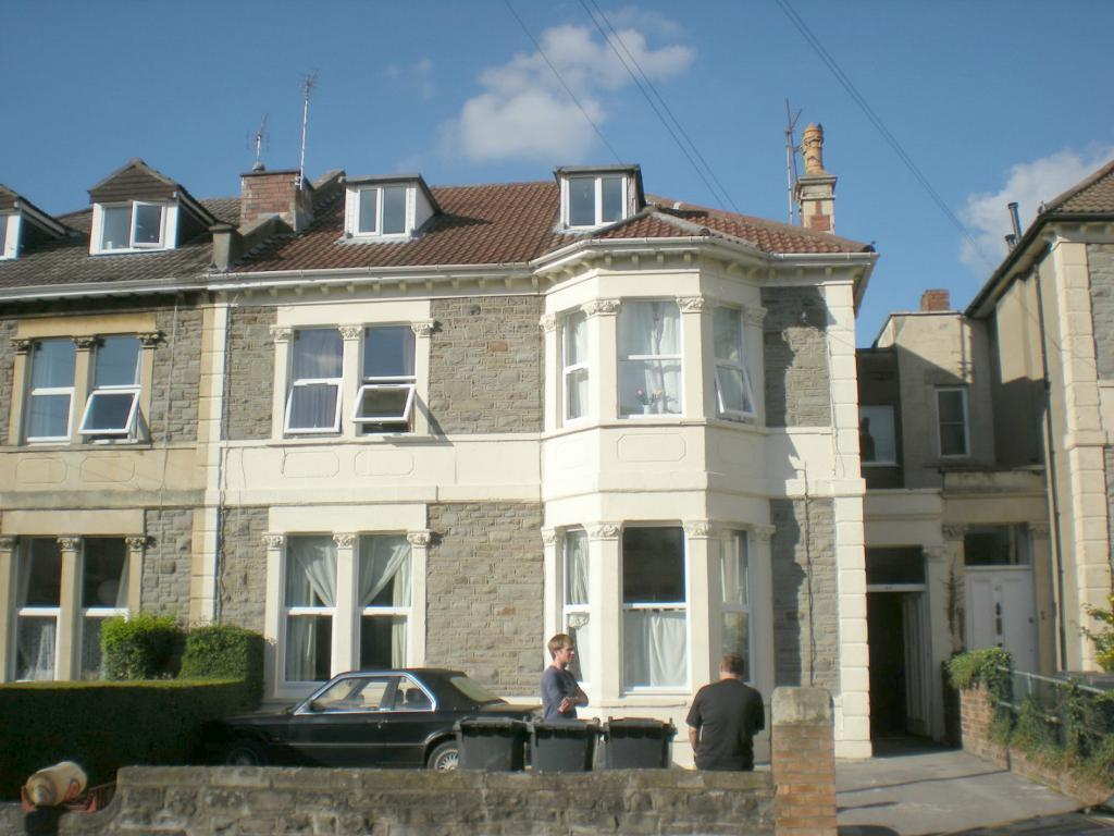 Ground Floor 7 bed student Flat - Belvoir Rd - £445pppm