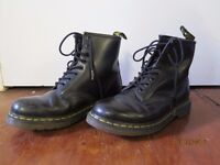Ladies' Lace Up Ankle Boot Dr Martens Air Wair Black UK Size 6, EU size 39