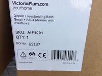 1500 brand new freestanding bath