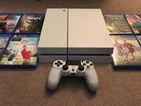 Sony Playstation 4 PS4 With 8 Top Games Boxed - Immaculate