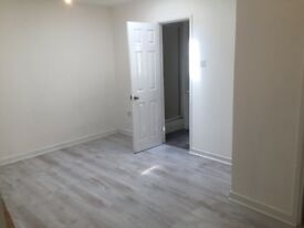 Flat to rent in Ashton town centre