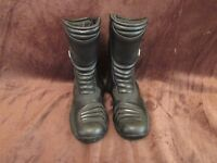 Motorcycle boots-Size 44,Nearly new,Brand RST,Black,Leather,Water resistant