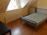 DOUBLE room with EN-SUITE : Stranmillis cert.HMO, 5 bedroom house