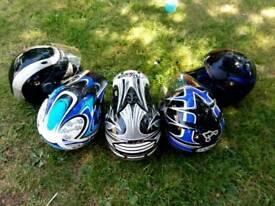 Crash helmets on/off road