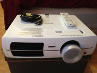 Epson EH-TW3200 - Projector Home Cinema - 1080p LCD Projector - 1800 Lumens