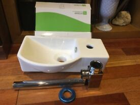 Victorian Plumbing 400 mm Valencia Sink And Square Metal Bottle Trap