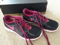 Ladies Nike Flex 2013 Run trainers UK size 4.5 almost new