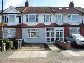 THREE BEDROOM HOUSE TO RENT, Ecclesbourne Close, Palmers Green, Lonon N13