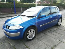 Renault megane 1.6 petrol come with full mot service history half leather interior