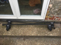 Thule Roof bars and fixings for a Fiat Punto. Fixing numbers 255 and 243.