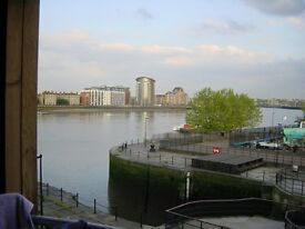 Surrey Quays very large Room to let Riverside property.House overlooking River Thames ALL BILLS INC
