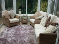 LUXURIOUS CONSERVATORY FURNITURE SUITE, SOFA, TWO ARMCHAIRS AND SIDE TABLE, IMMACULATE