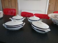 Serving dishes/tureens