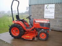Used Kubota B2100 tractor with cutting deck