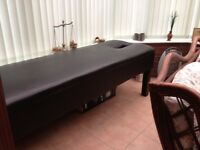 Physiotherapy massage table