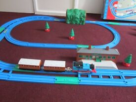 "THOMAS THE TANK ENGINE TRACKMASTER VERY RARE "" TALKING ACTION TRAIN SET BOXED WITH INSTRUCTIONS £28"