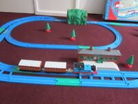 """THOMAS THE TANK ENGINE TRACKMASTER VERY RARE """" TALKING ACTION TRAIN SET BOXED WITH INSTRUCTIONS £28"""