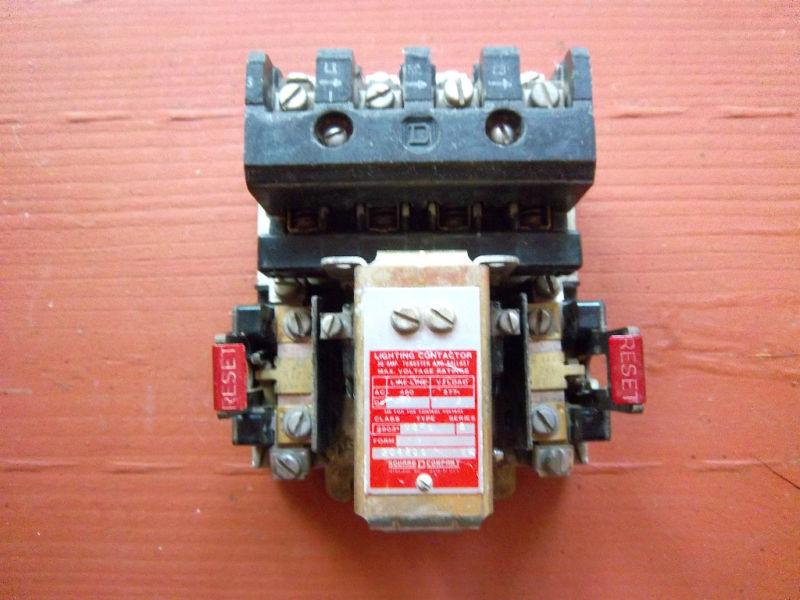 Square D 8903-M0-1 Lighting Contactor Series B