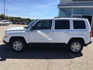 2013 Jeep Patriot NORTH ONLY 49KM NO ACCIDENTS 4dr FWD Sport/Nor Kitchener / Waterloo Kitchener Area image 3