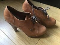 Brown leather high heel Shoes