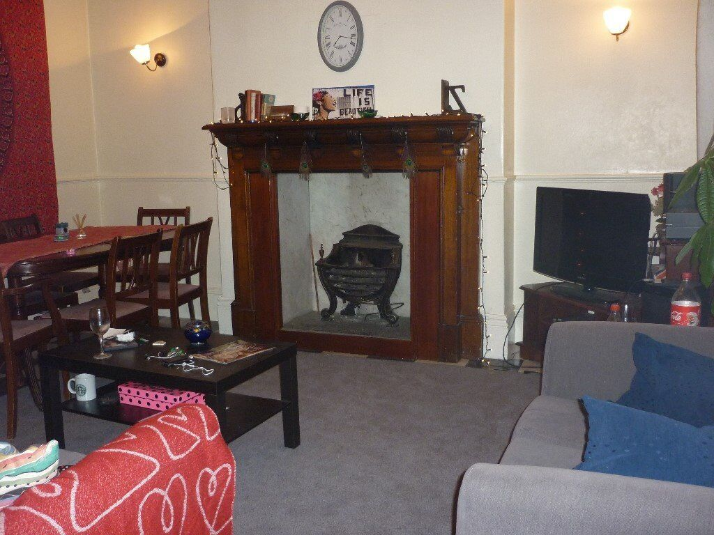 Fabulous 4 bed student house in Broomhill, group let only, reduced summer rent