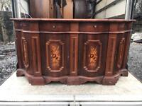 Very decorative Italian Cadenza sideboard