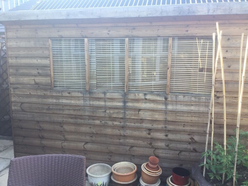 garden shed very good condition and very well made