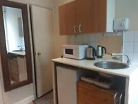 Affordable Cosy Bedsit in Shepherds Bush/ Hammersmith
