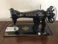 Singer sewing machine & table 15k model 1930s