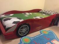 Child's single car bed