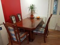 Dining Table - extendable & chairs