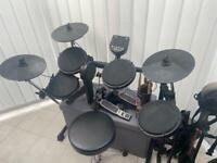 Alesis DM6 USB drum kit