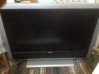 "LCD High-Definition Ready TV, 37"" Screen, HDMI socket"