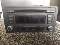 AUDI A3 CONCERT RADIO CD MP3 PLAYER