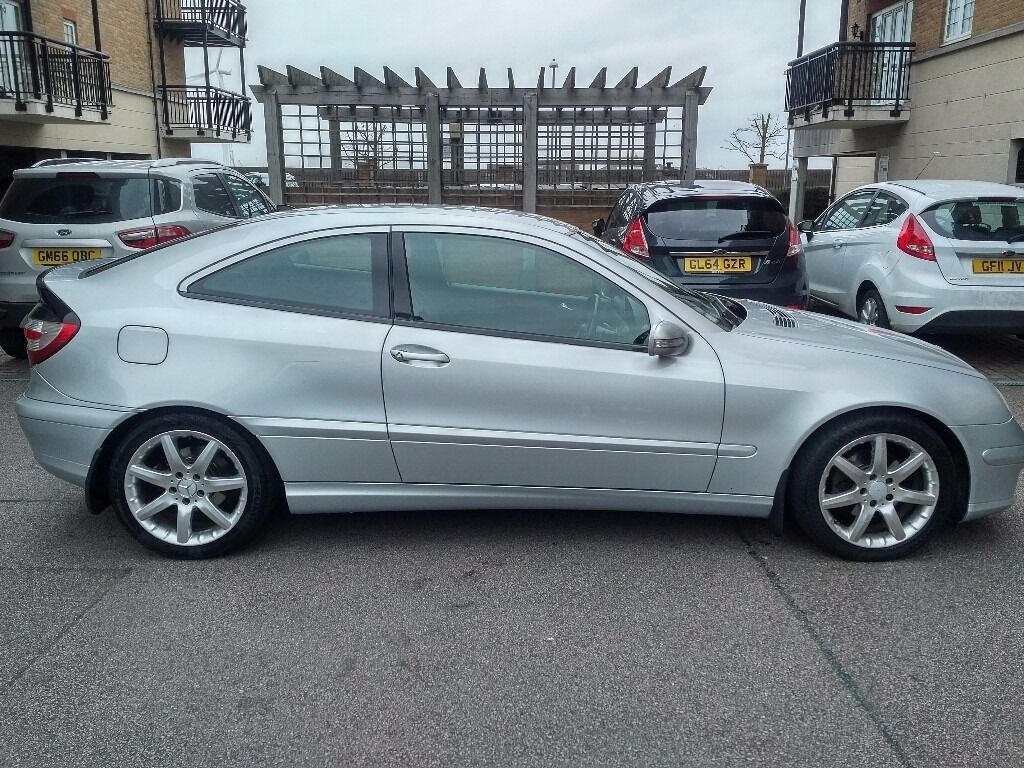 2006 mercedes benz c class c200 se automatic 5 speed 3 door coupe in gravesend kent gumtree. Black Bedroom Furniture Sets. Home Design Ideas