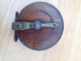 6 vintage fishing reels 5 wooden 1 metal