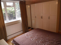 Large double room for rent Clapham Junction