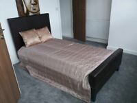 76 Austhorpe Road Executive Room 4-SUPERB EXECUTIVE ROOM-ALL BILLS INCLUDED-FREE WIFI INCLUDED!